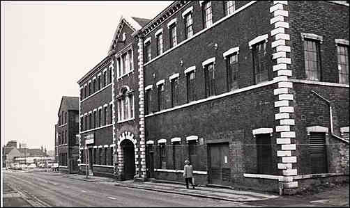 Aynsley's Portland Works in Sutherland Road, Longton.