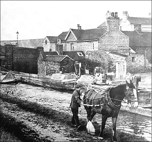 The Trent and Mersey canal at Brownhills, c.1930